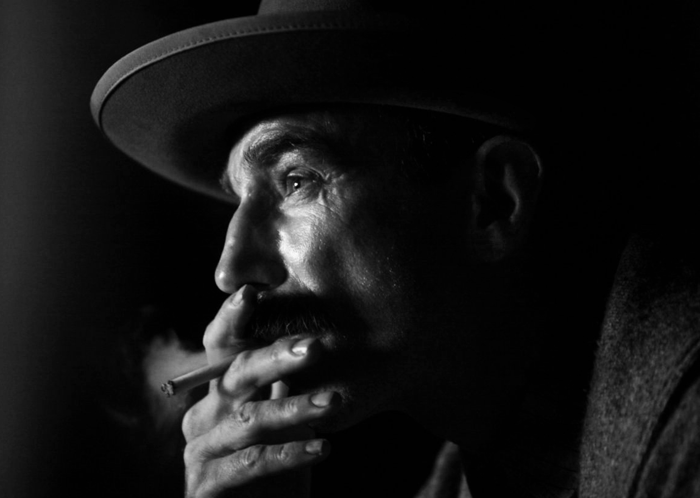 Daniel Day-Lewis won an Academy Award for Best Performance by an Actor in a Leading Role for There Will Be Blood. This drama is centered around a turn-of-the-century prospector in the early days of a family business.
