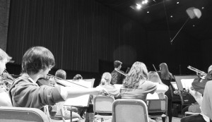 The Gustavus Symphony Orchestra rehearses for their midwestern tour. Nicole Ektnitphong