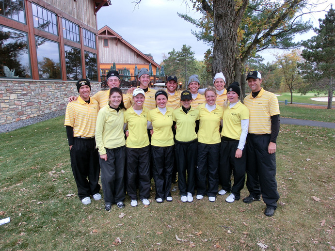The Gustavus men's golf team wrapped up their regular season with a bid to the NCAA Tournament in Florida, where they will compete on May 11. <em>Gustavus Sports Information</em>
