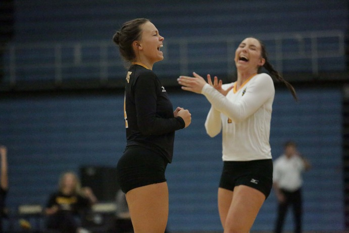 Sophomores Brittany Luethmers (left) and Nora Holtan (right) were fantastic in the last two Gustie contests, both earning career records in the game against Macalaster. The 3-1 win over Macalaster and the previous 3-0 win over Carleton have the Gusties at 15-4 overall and 6-1 in the MIAC.