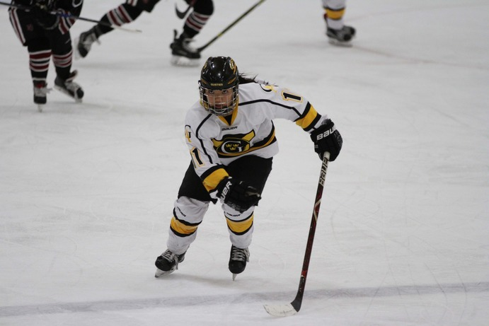 Junior Captain Amelia Vosen competes in a game last season. The Gusties have high expectations for their season, coming in at No. 8 in the preseason poll.